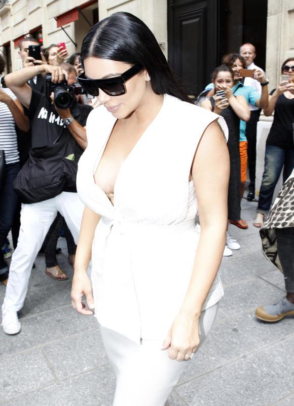 Kim Kardashian: Pregnant in Paris