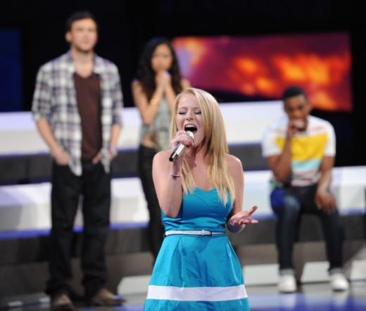 Hollie Cavanagh Sings Goodbye
