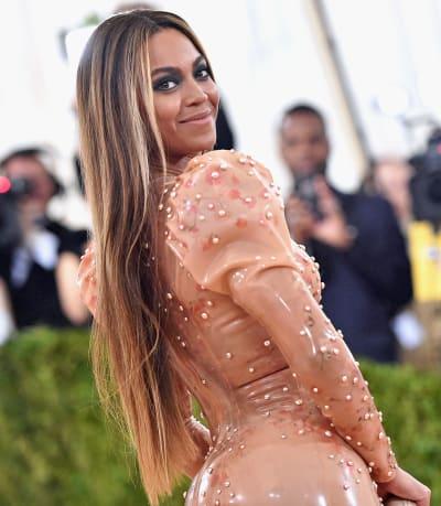 Beyonce Looks Beautiful