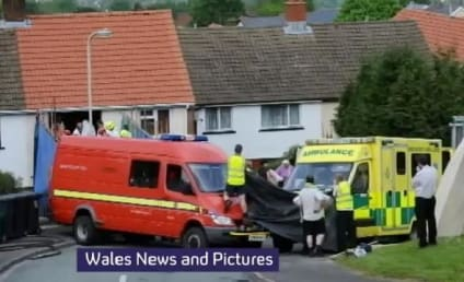 Georgia Davis, Britain's Fattest Teenager, Hospitalized After Being Removed Home By Crane