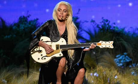 "Lady Gaga Goes Barefoot, Gives Fans ""Million Reasons"" to Cheer at American Music Awards"
