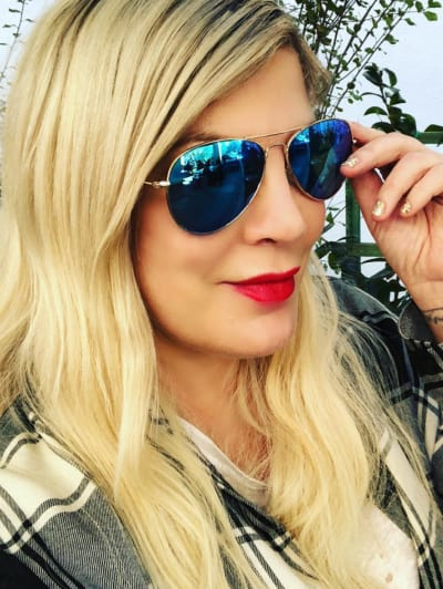 Tori Spelling in Glasses