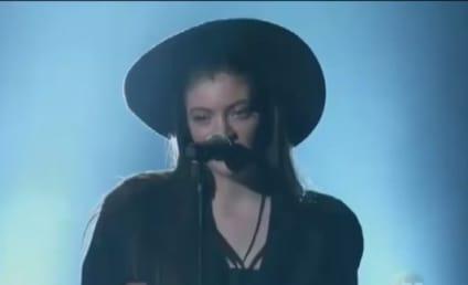 "Lorde ""Tennis Court"" Performance Stuns Billboard Music Awards Crowd: Watch!"