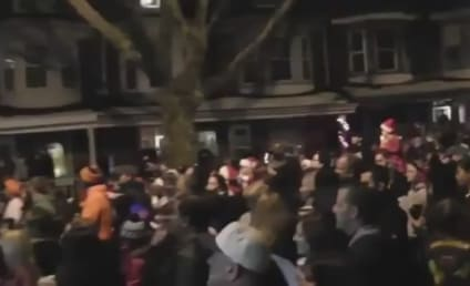 Thousands of Carolers Fulfill Girl's Dying Wish