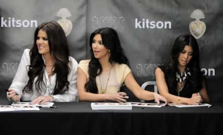 Signing Sisters