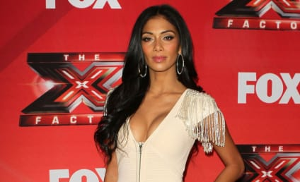 Nicole Scherzinger: Vote Ron Paul!!