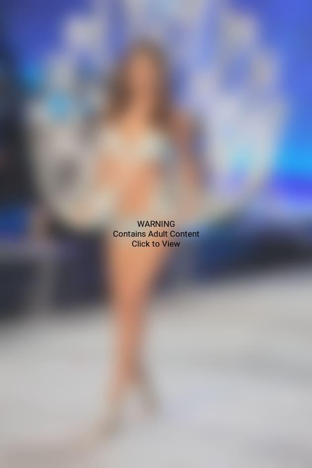 Miranda Kerr Naked Friends Pose For Pirelli Calendar The Hollywood Gossip