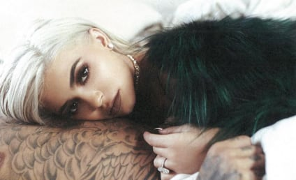 Kylie Jenner Flaunts Diamond Ring, Is Clearly an Idiot