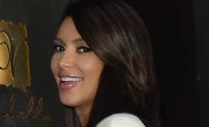 Kim Kardashian Kameos on 30 Rock Live Episode