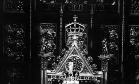 Queen Elizabeth Parliament Pic