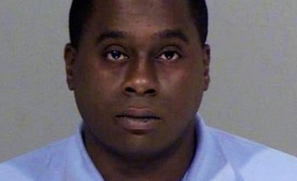 TV Reporter Gets Arrested for Defecating on Stranger's Lawn