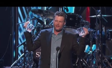 Blake Shelton and Gwen Stefani: Going Strong at People's Choice Awards!