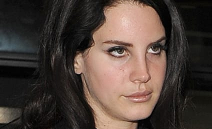 Lana Del Rey Cancels Tour For Unspecified Medical Reasons; Singer Gets Blacklisted By Virgin Radio