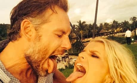 "Jessica Simpson and Eric Johnson: ""Yummy,"" She Writes"
