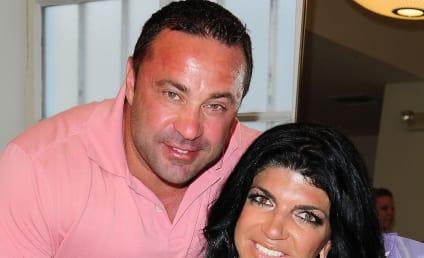 Joe Giudice: Cheating on Teresa with Random Woman at Friday's?