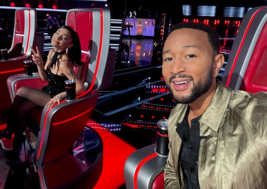 John Legend Selfie with Ariana Grande on The Voice
