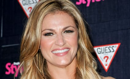 Erin Andrews Awarded $55 MILLION in Nude Peephole Case!