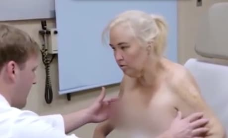Mama June: See Her TOPLESS After Skin Removal Surgery!
