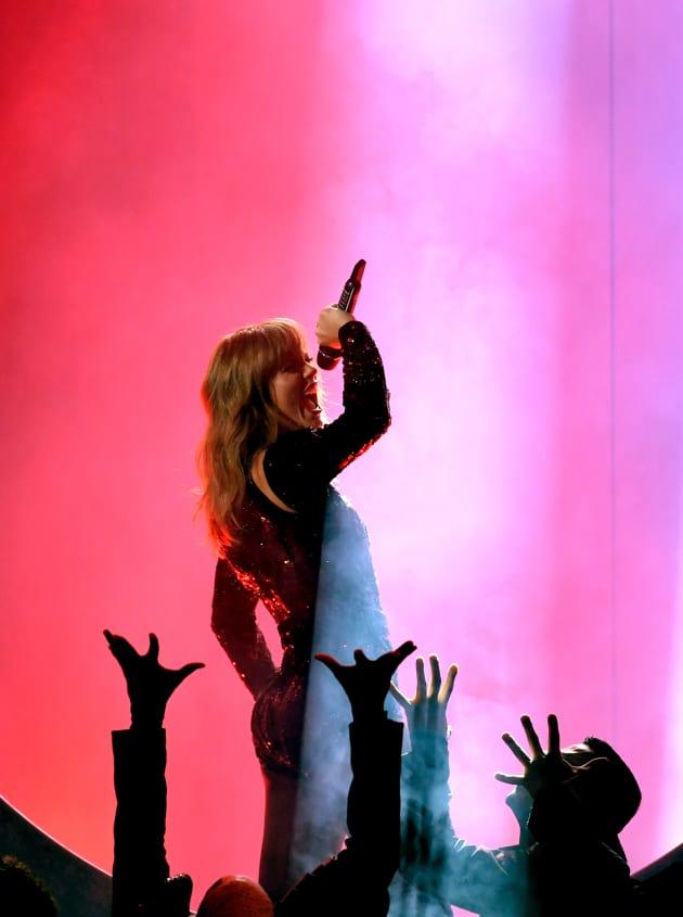 Taylor Swift Brings It