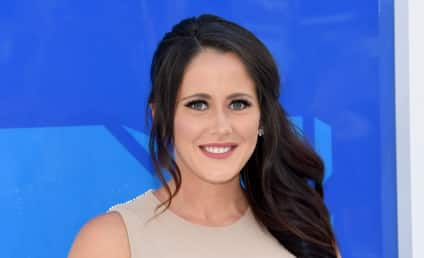 Jenelle Evans Sparks Outrage with Latest Pregnancy Pic?!