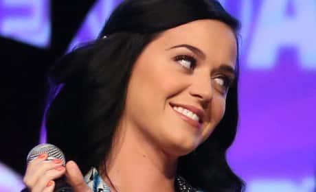 "Katy Perry ""Roar"" vs. Sara Bareilles ""Brave"""