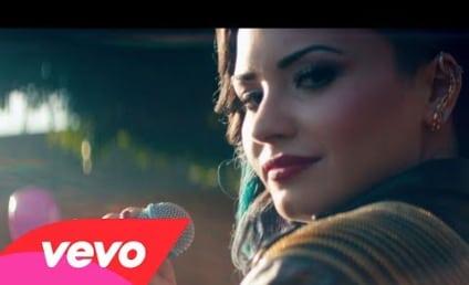 """Demi Lovato, Wilmer Valderrama: Cozy in """"Really Don't Care"""" Video!"""
