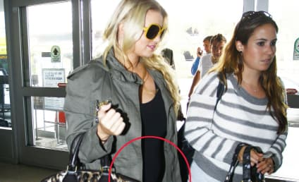 Jessica Simpson, Nipples, Wave to Fans