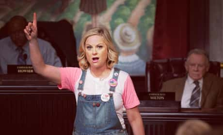 Leslie Knope in overalls