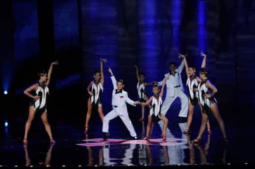 The Untouchables Perform