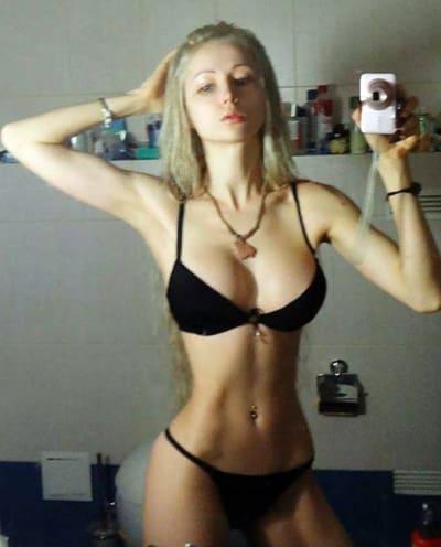 valeria lukyanova bikini selfie makeup free and sort of