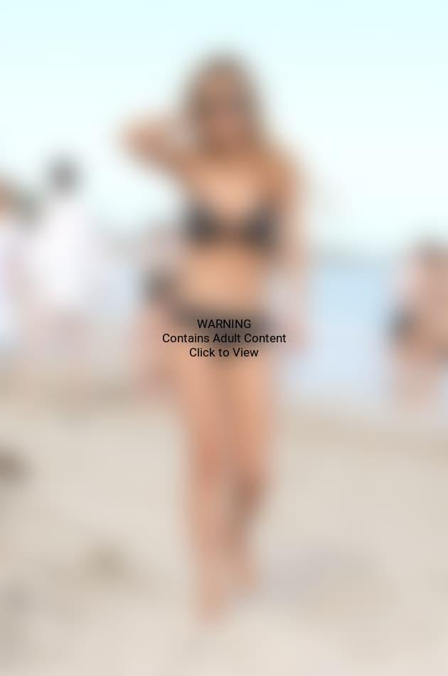 Lindsay Lohan Bikini Photo