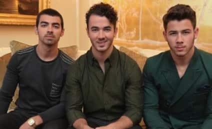 The Jonas Brothers Break Up, Twitter Reacts: NOOOOO!!!!!!!!!