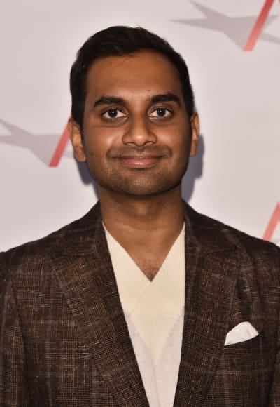 Aziz ansari responds to sexual assault allegations the hollywood aziz ansari smiles stopboris Gallery