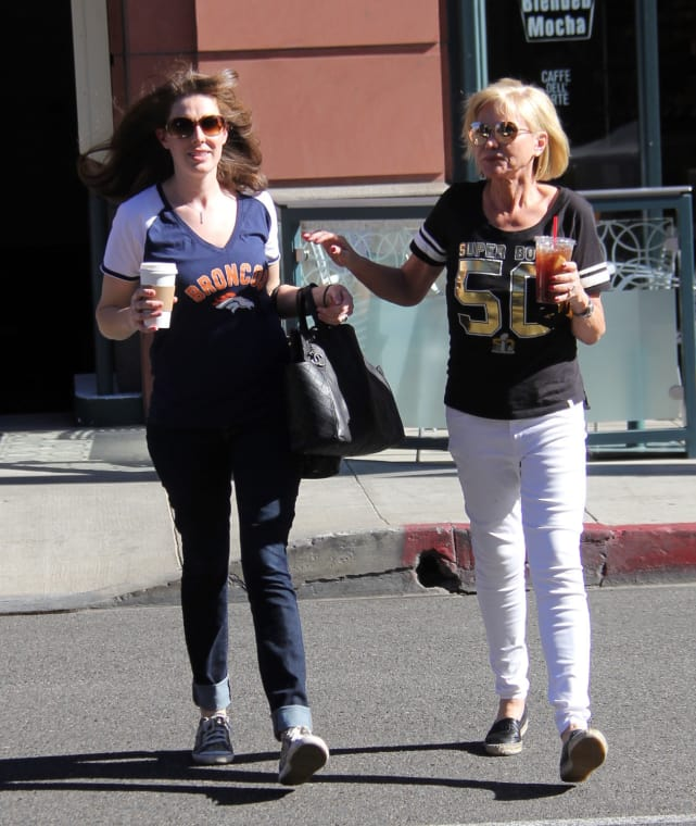 Yolanda Foster Grabs An Iced Drink In Beverly Hills
