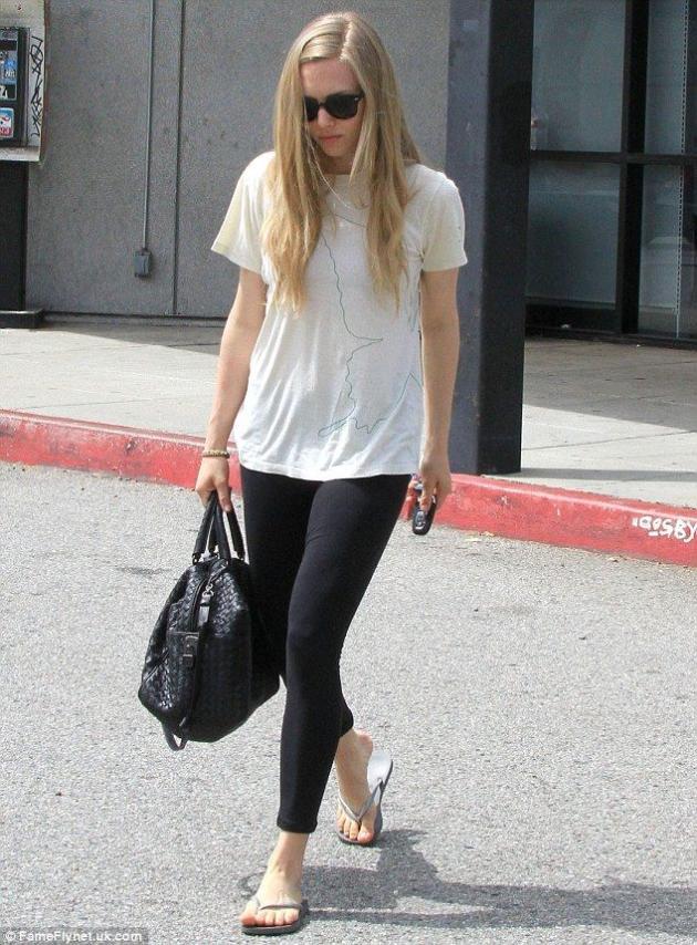 Amanda Seyfried: Hot With No Makeup!