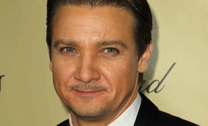 Jeremy Renner to Be a Father!