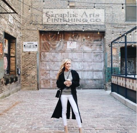 Kristin Cavallari Waves Goodbye to Chicago