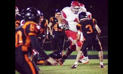 400-Pound Running Back Wreaks Havoc in High School