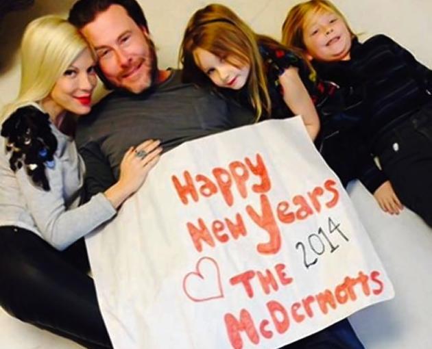 Tori Spelling, Dean McDermott New Year's Pic