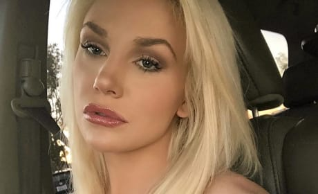 Courtney Stodden Thanksgiving Selfie
