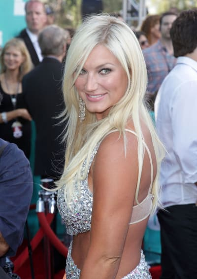 Brooke Hogan dating Dallas cowboy