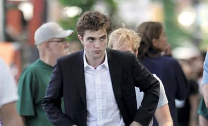 Interview with the (Hot!) Vampire: Robert Pattinson on Fame, New Moon and More