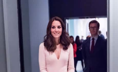 Kate Middleton Views Her British Vogue Portraits