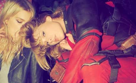Taylor Swift in Deadpool Costume