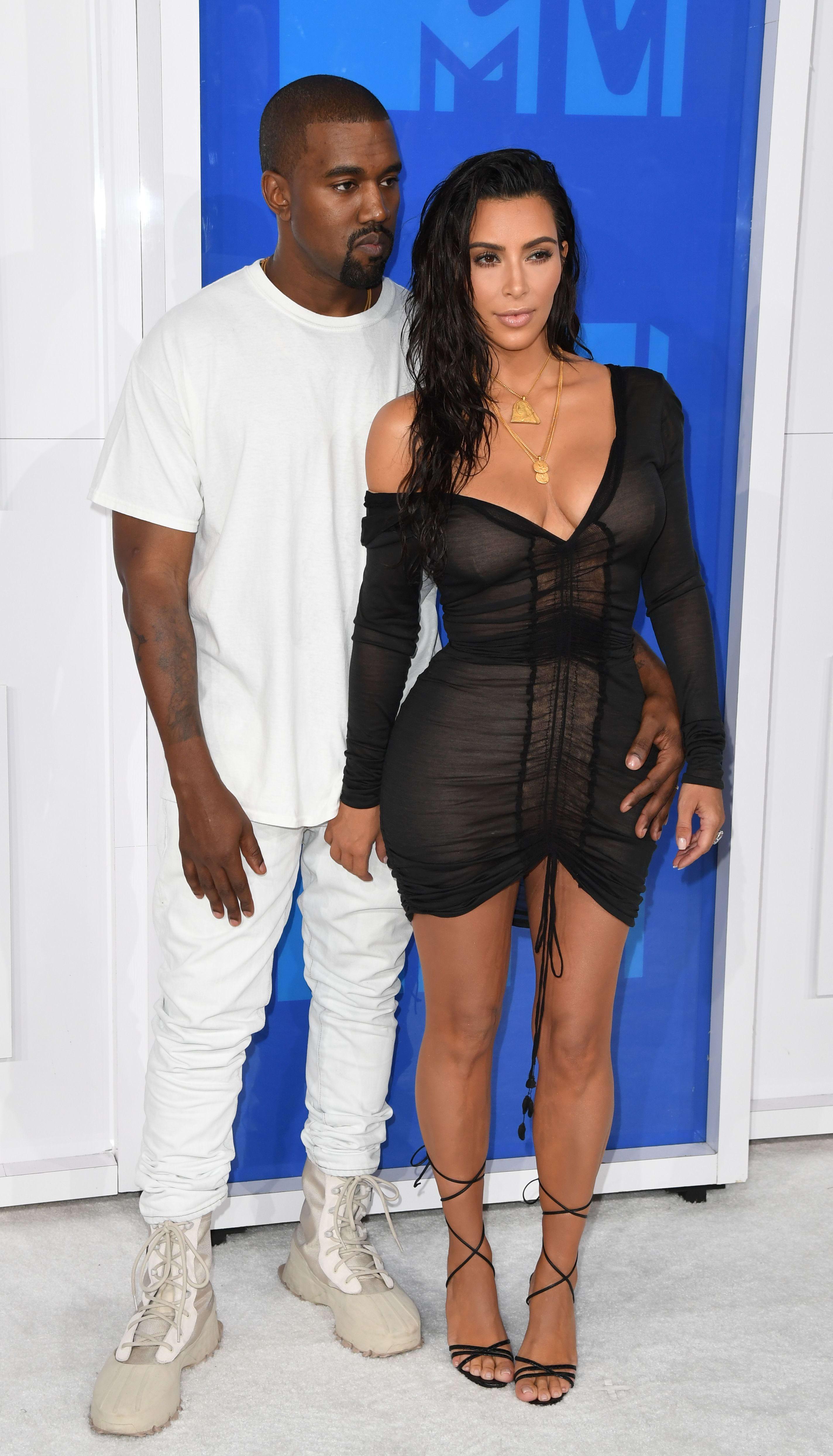 ¿Cuánto mide Kim Kardashian? - Altura - Real height Kanye-west-and-kim-kardashian-in-happier-times