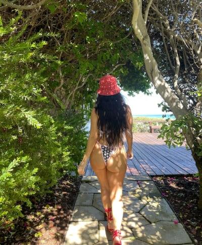 Kourtney Kardashian Flashes Her Independence Day Peach