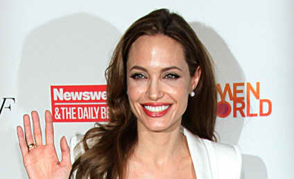 Angelina Jolie Undergoes Double Mastectomy to Prevent Breast Cancer