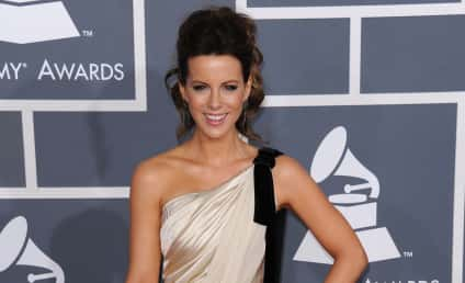 Grammy Awards Fashion Face-Off: Kate Beckinsale vs. Carrie Underwood