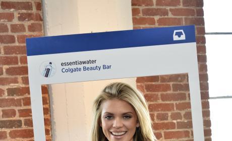 AnnaLynne McCord: Colgate Optic White Beauty Bar