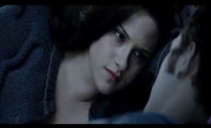 New Eclipse Scene: Edward & Bella in Bed!
